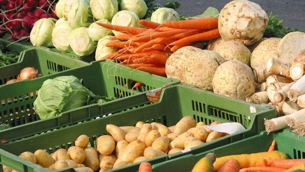 Gemüse kaufen am Bauernmarkt Eggenberg